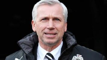 Pardew inspired by club legend in hunt for cup glory