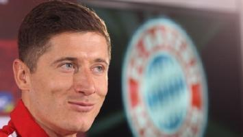 Guardiola preaches patience with Lewandowski